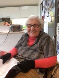 Dr Karen Finch, 2017 Knitting History Forum. Copyright Kirstie Buckland